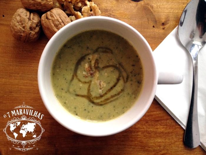 courgette walnut soup